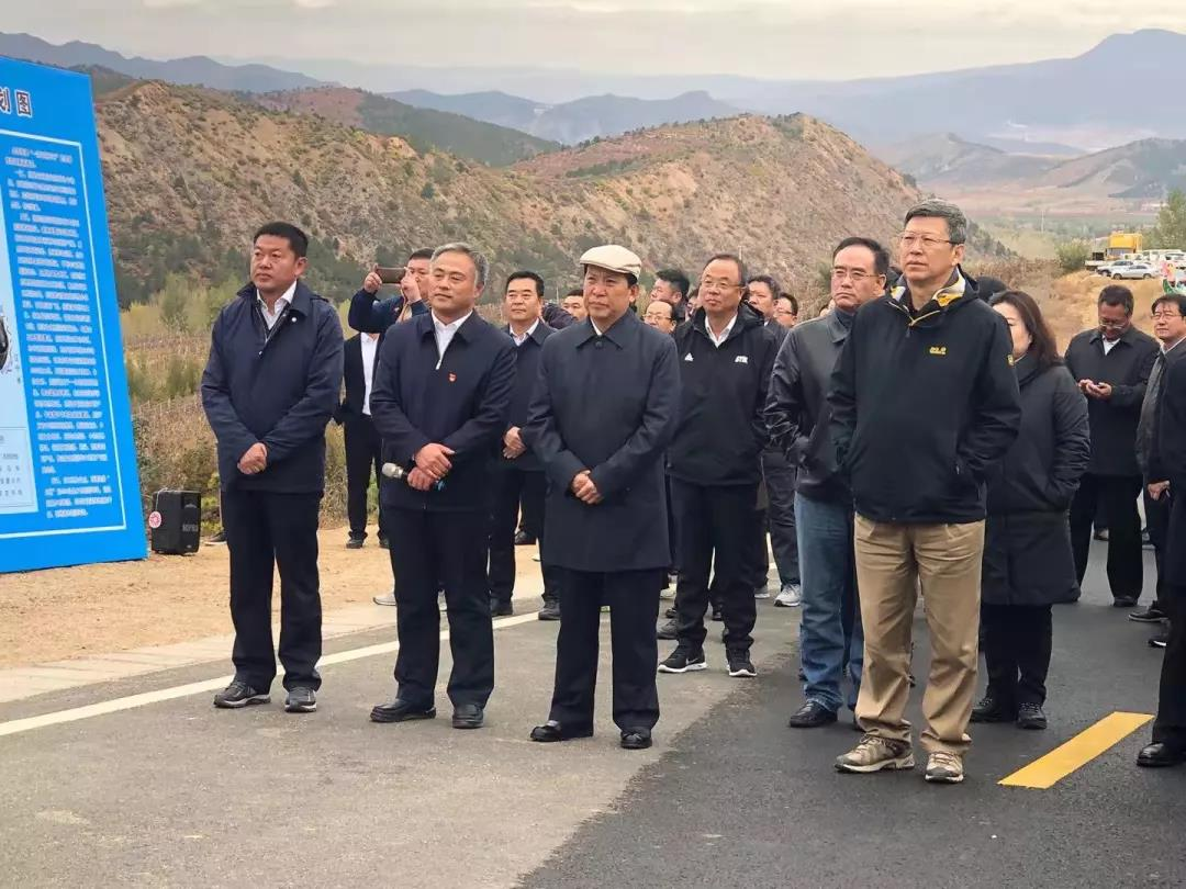 全市首届旅游产业发展大会召开并到喀喇沁旗进行观摩