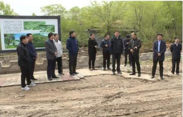 旗领导赴围场县考察乡村旅游及环境整治工作
