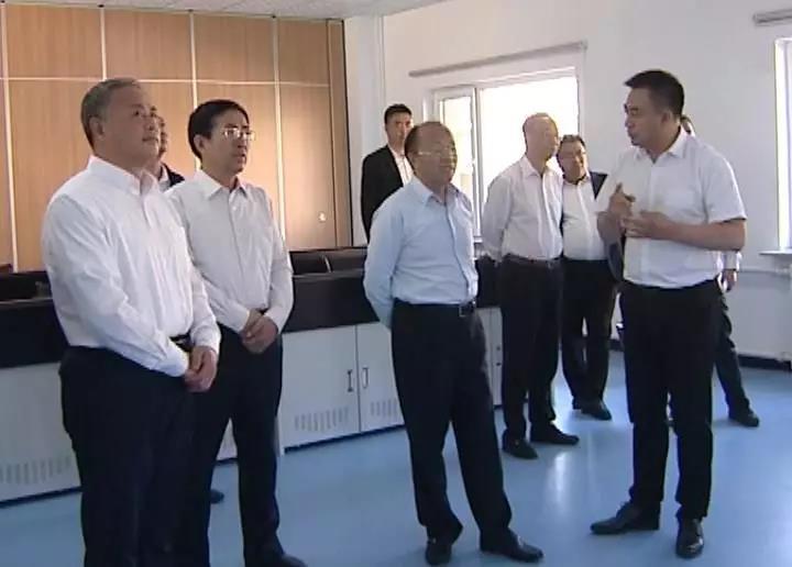自治区政协主席李秀领到喀喇沁旗调研工作